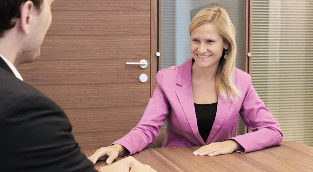 Welche organisatorischen/rechtlichen Schritte sind zu beachten beim Home Office? Rechtsanwältin Dr. Anna Mertinz im Leithammel-Interview.