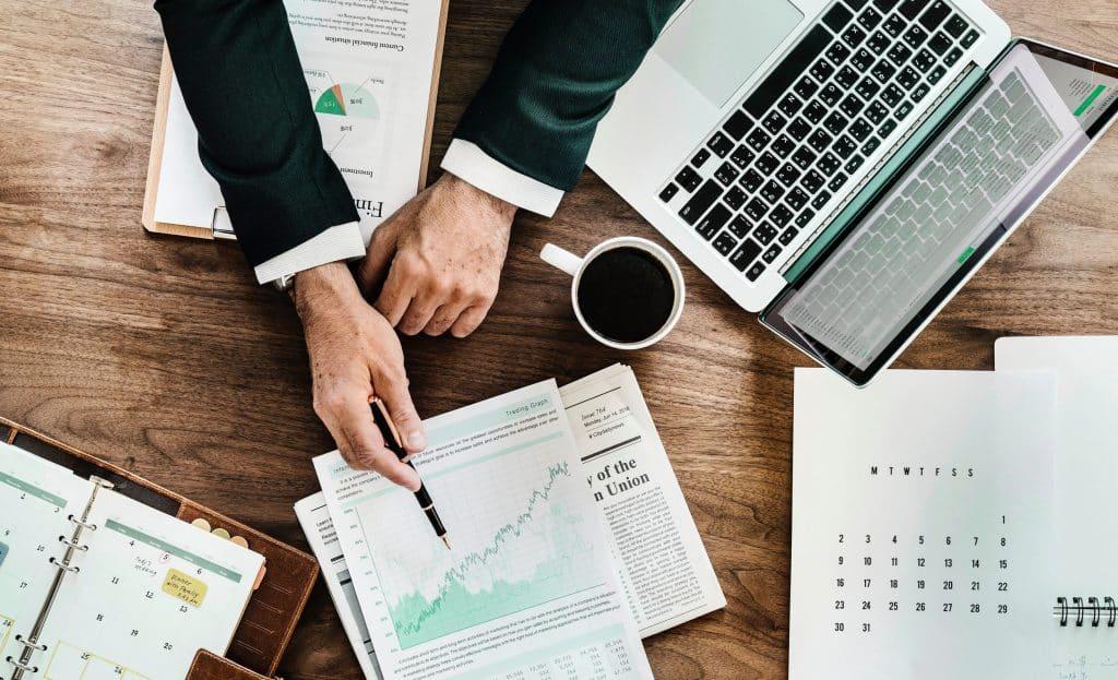 Wie Entlastung Ihnen in Haftungsfällen helfen kann und worauf Sie als Geschäftsführer in einer OG, KG, GmbH oder AG achten sollten.
