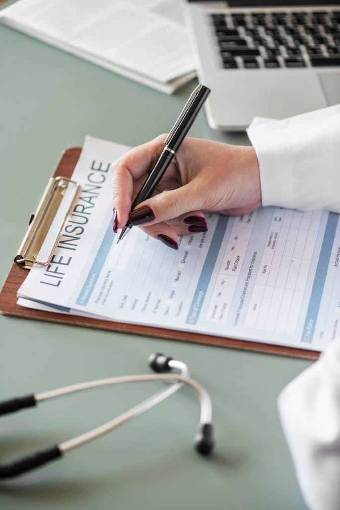 Der zuständige Arzt: Kündigung im Krankenstand, einvernehmlich, Entgeltfortzahlung, Krankenstandsbestätigung, Krankmeldung, Gesundmeldung, Angestellte, Arbeiter