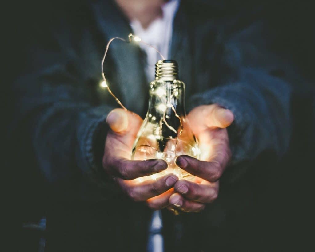 In Zeiten des Fachkräftemangels wird Employer Branding immer wichtiger. Nur, wer die richtigen Maßnahmen für sein Unternehmen ergreift, kann im War for talents bestehen!