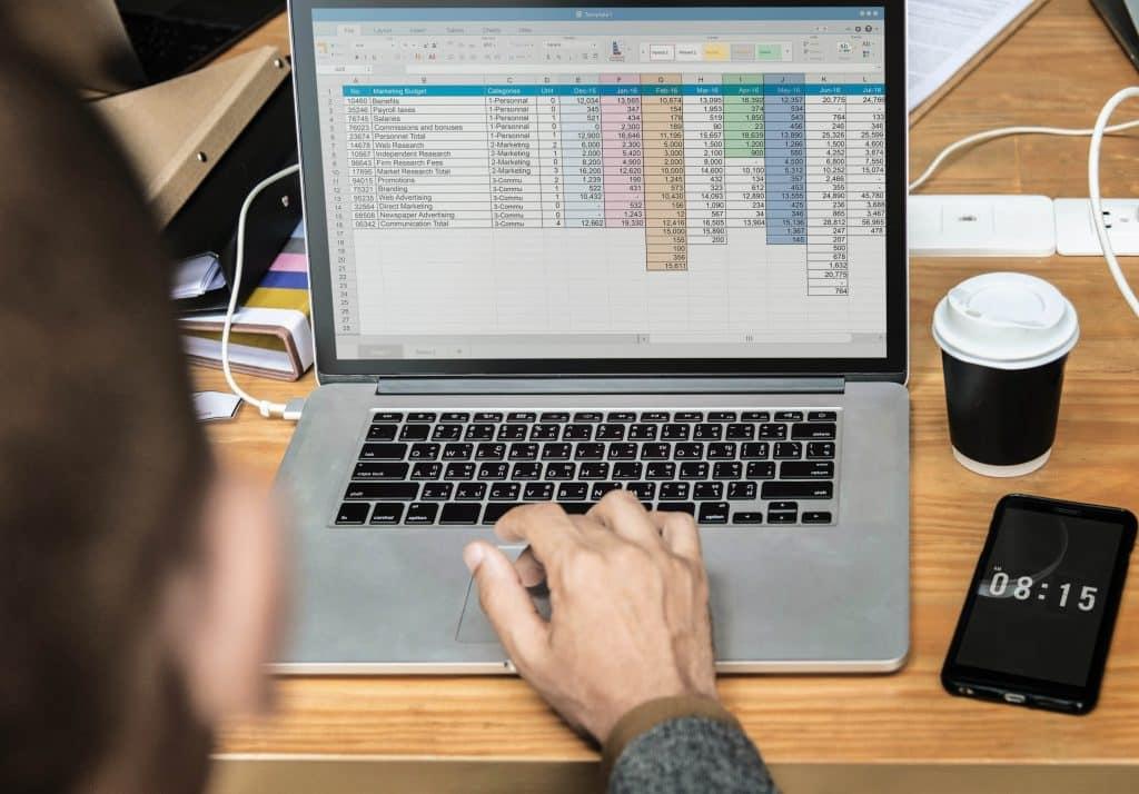 Bilanz, Bilanzierung, Bilanz lesen, Jahresabschluss, Monatsabschluss, Quartalsabschluss, Rechnungslegung, Geschäftsführer, Buchhaltung, Schulden, Kapital, Rechnungswesen