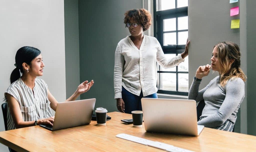 Delegieren, Delegieren von Aufgaben, Koordination, kontrollieren, übertragen, Mitarbeiter, übertragen, Delegation