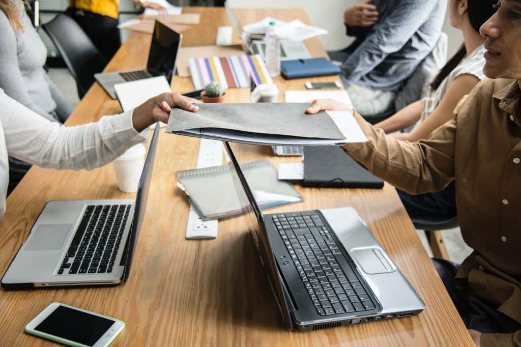 Unliebsame Aufgaben an Mitarbeiter abgeben - ein absolutes No-go! Delegieren, Delegieren von Aufgaben, Koordination, kontrollieren, übertragen, Mitarbeiter, übertragen, Delegation Führungskräfte müssen auch in Zukunft wissen, wie man Aufgaben delegiert. Welche Fehler Sie unbedingt vermeiden sollten beim Delegieren an Mitarbeiter...