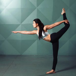 Der Tänzer, Yogaübung, Yoga, Yoga-Übungen, Büro, Joga, Yogaübungen, Positionen, Stellungen, Geschäftsführer, fit in der Arbeit, Stress, Work-Life-Balance, Business-Yoga