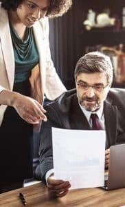 Führungskräfte müssen auch in Zukunft wissen, wie man Aufgaben delegiert. Welche Fehler Sie unbedingt vermeiden sollten beim Delegieren an Mitarbeiter...